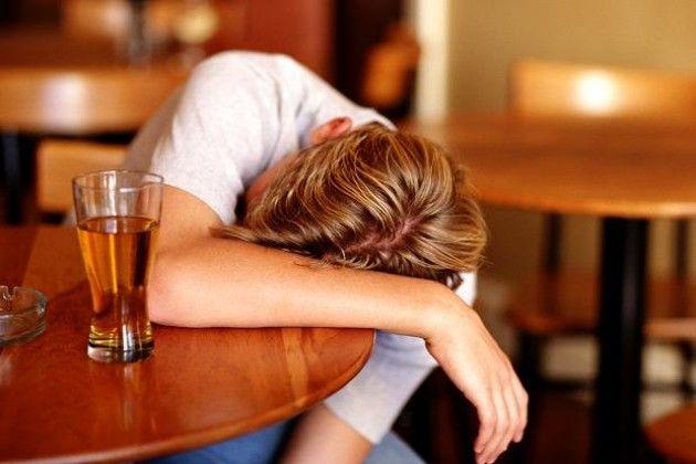 f1_0_consumo-e-dipendenza-da-alcol-tra-i-giovani-a-cremona-un-nuovo-progetto
